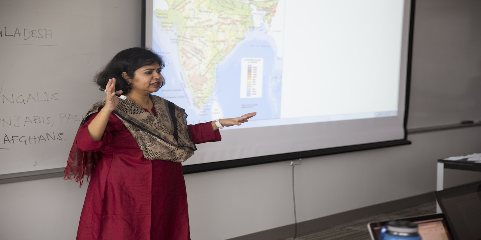 Professor Sulakshana Sen of Symbiosis University gave lectures to Global Asian Studies students.